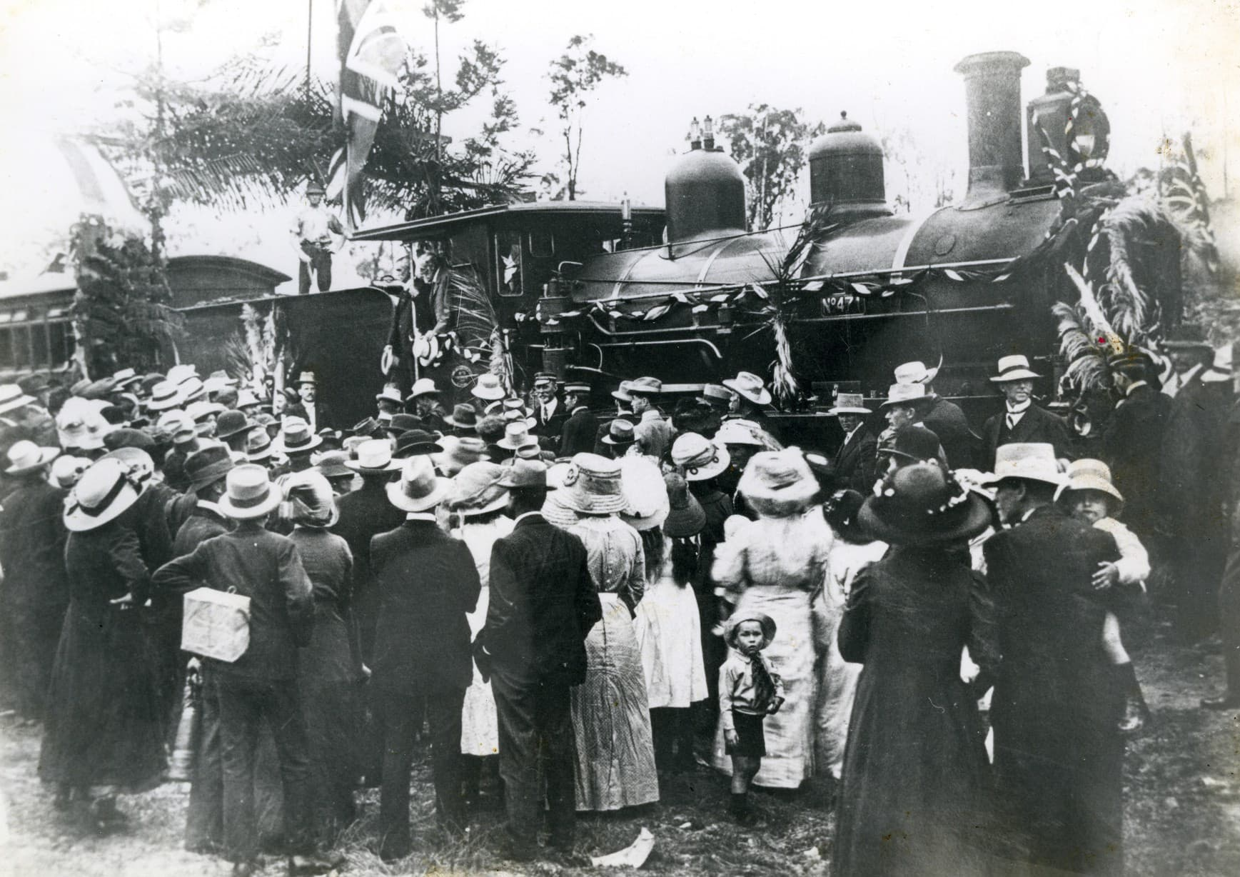 1913 opening Yarraman rail D1000012