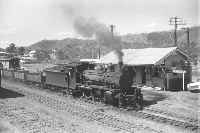 Linville Stn and Train