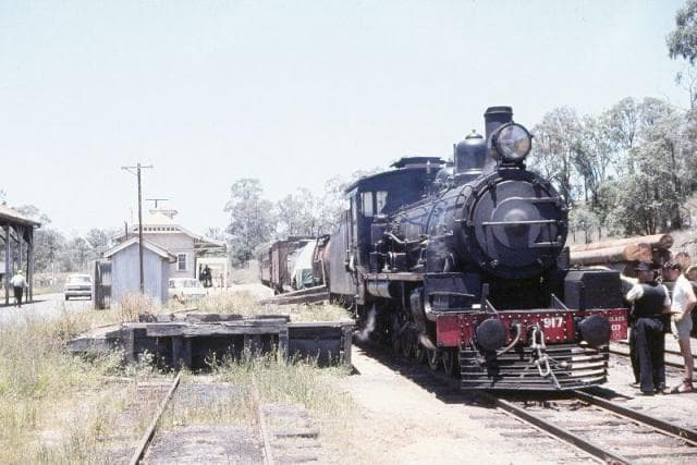 Yarraman & Train